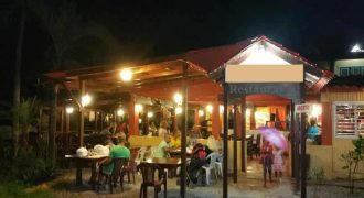 Vendesi ristorante pizzeria fronte mare a Las Terrenas Repubblica Dominicana
