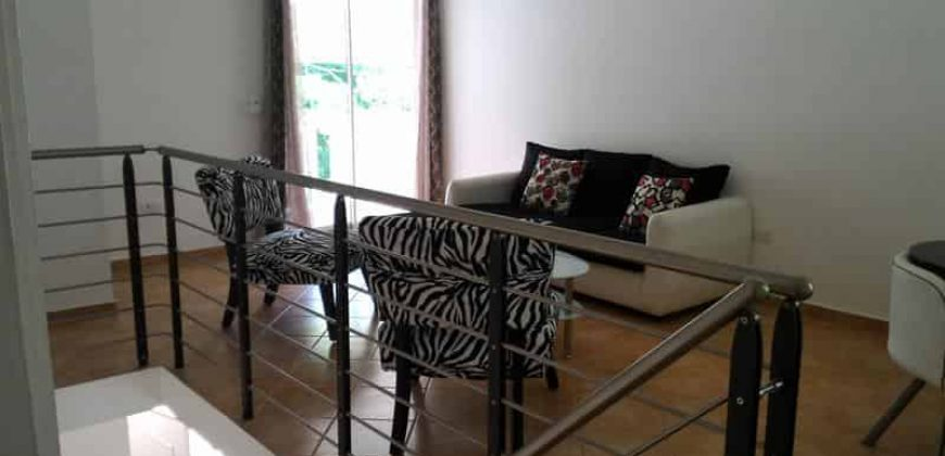 Vendesi bellissimo appartamento da tre camere al centro di Las Terrenas